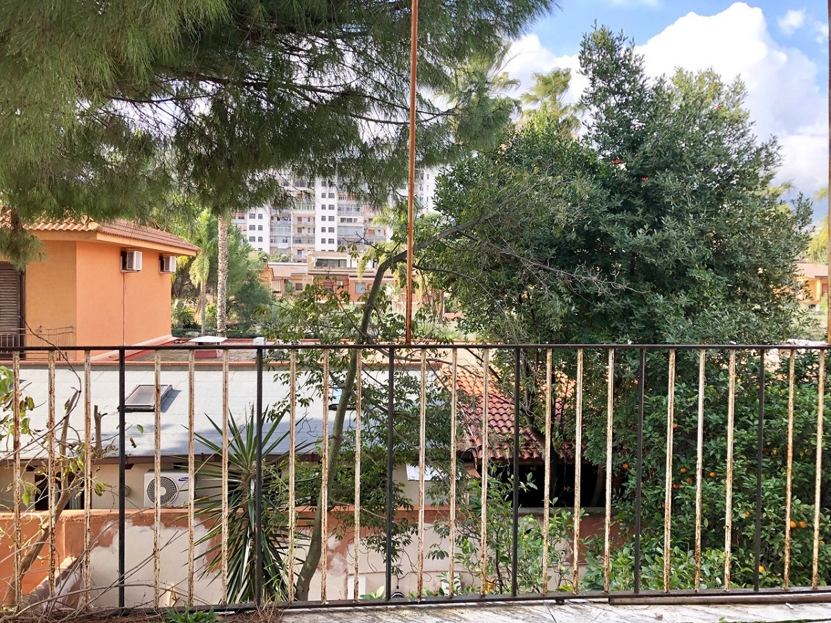 Appartamento in vendita in piazza niscemi 36 palermo for Appartamenti in vendita a palermo
