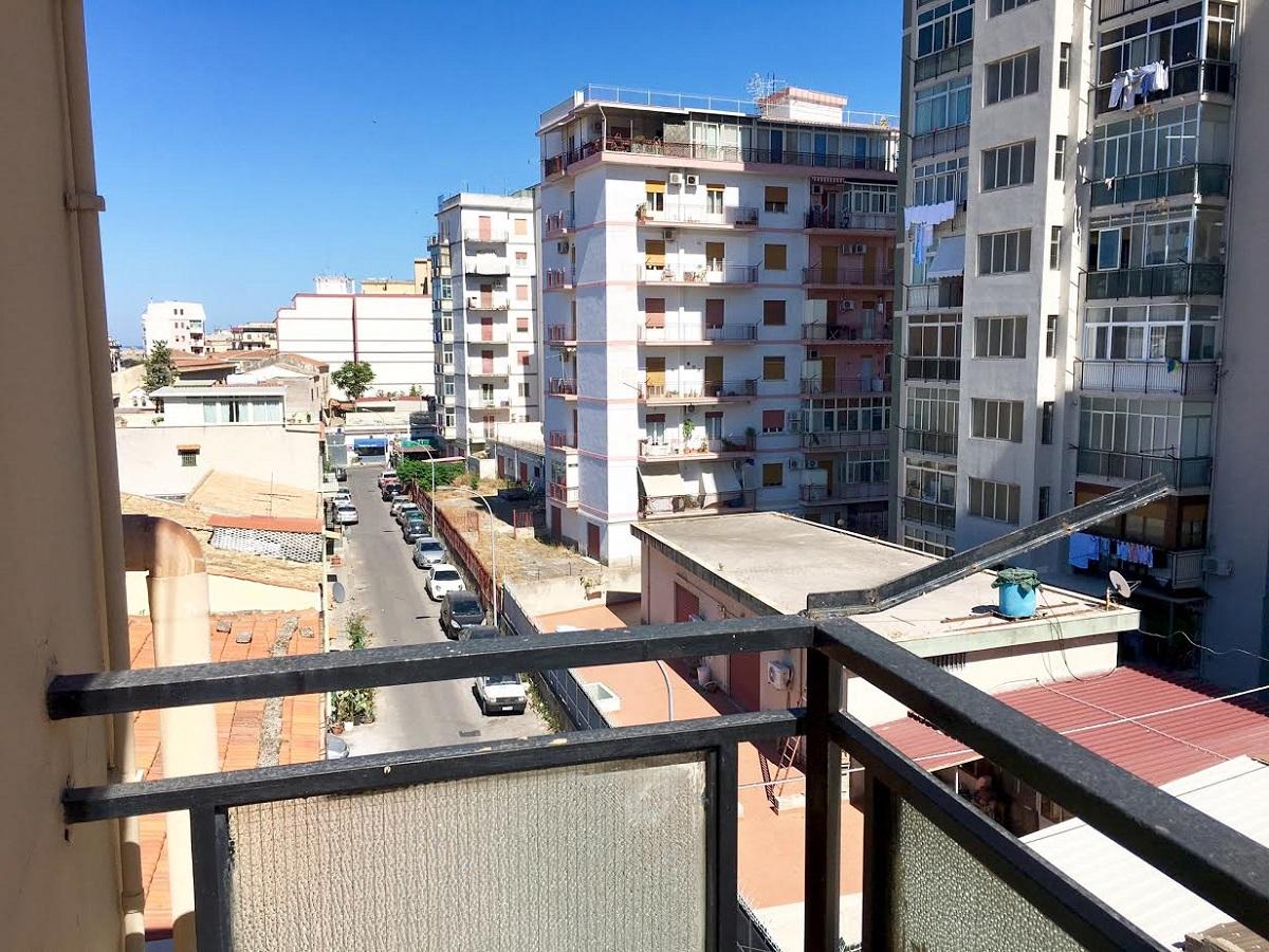 Appartamento in vendita in via roberto il guiscardo 35 for Appartamenti in vendita a palermo