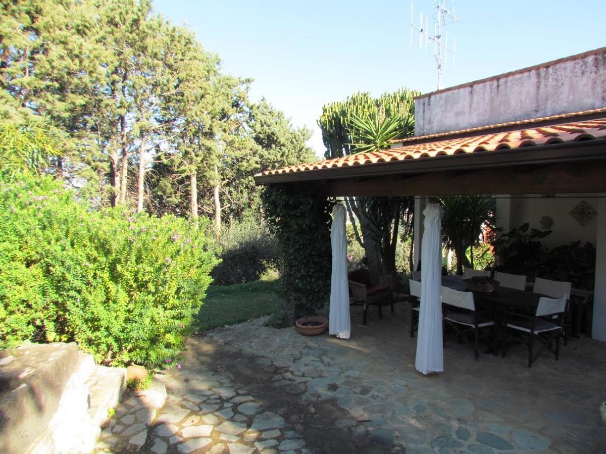 Villa singola in vendita in via monte rosa 10 carini for Case arredate in affitto a carini