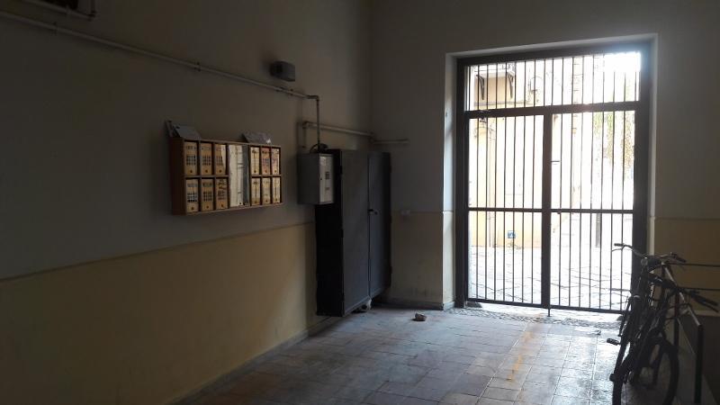 Appartamento in vendita in via della vetriera 35 palermo for Appartamento centro storico palermo