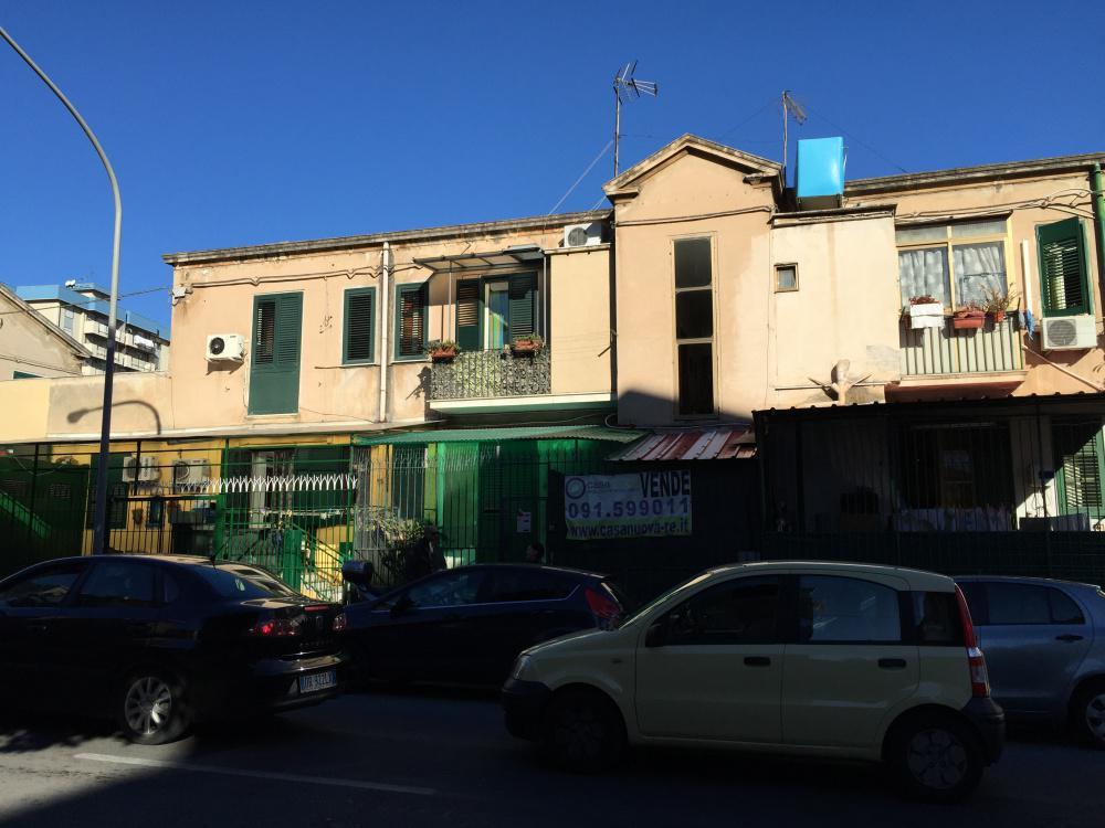 Appartamento in vendita in via giuseppe pitr palermo for Appartamenti in vendita a palermo