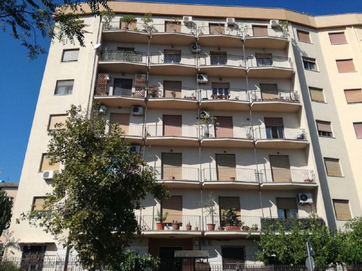 Appartamento in vendita in viale michelangelo 1845 for Appartamenti in vendita a palermo
