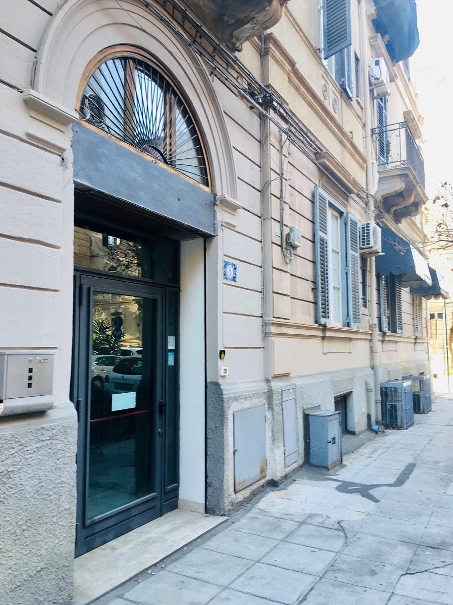 Negozio in Affitto in Via Giorgio Castriota 3, Palermo ...