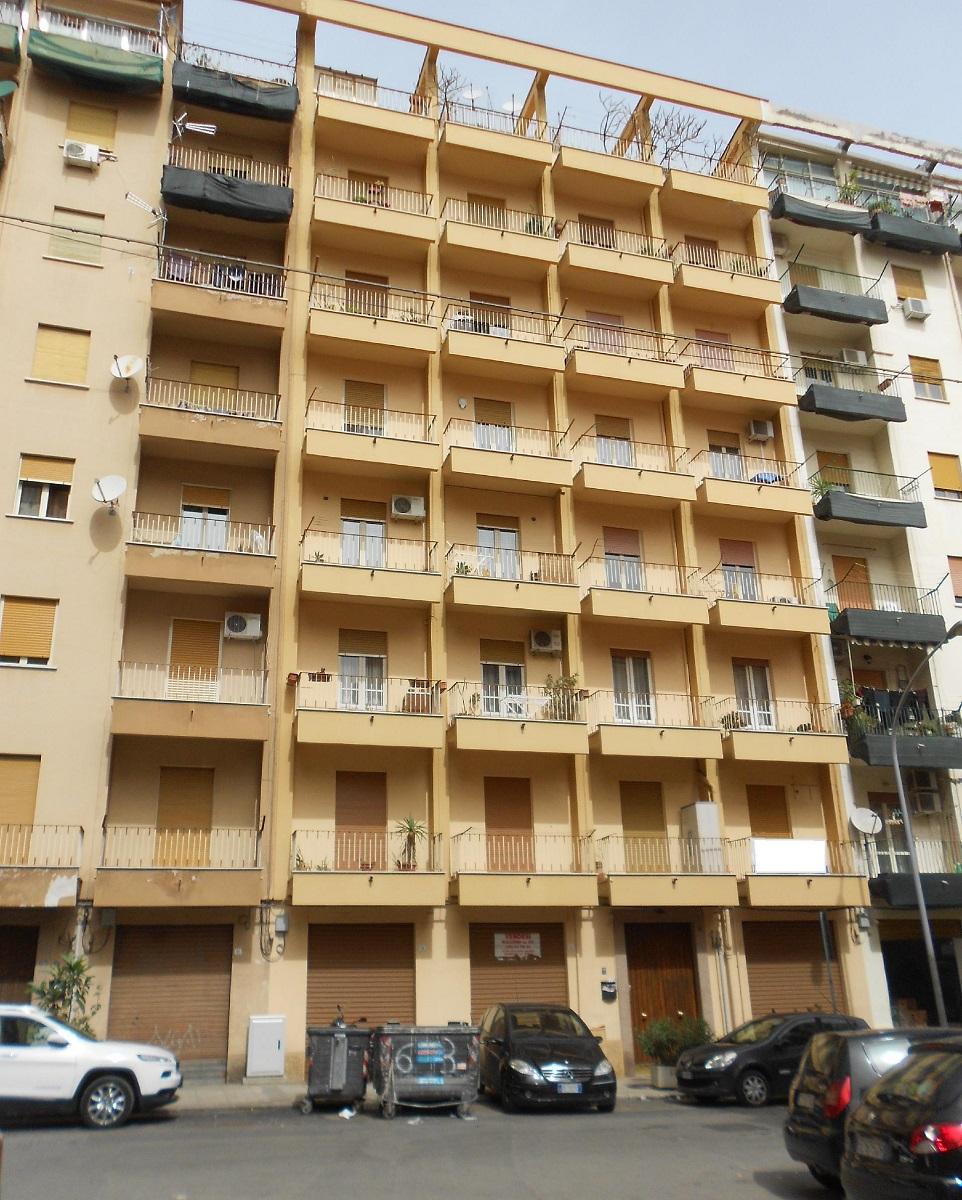 Appartamento in vendita in via cardinale tomasi palermo for Appartamenti in vendita a palermo