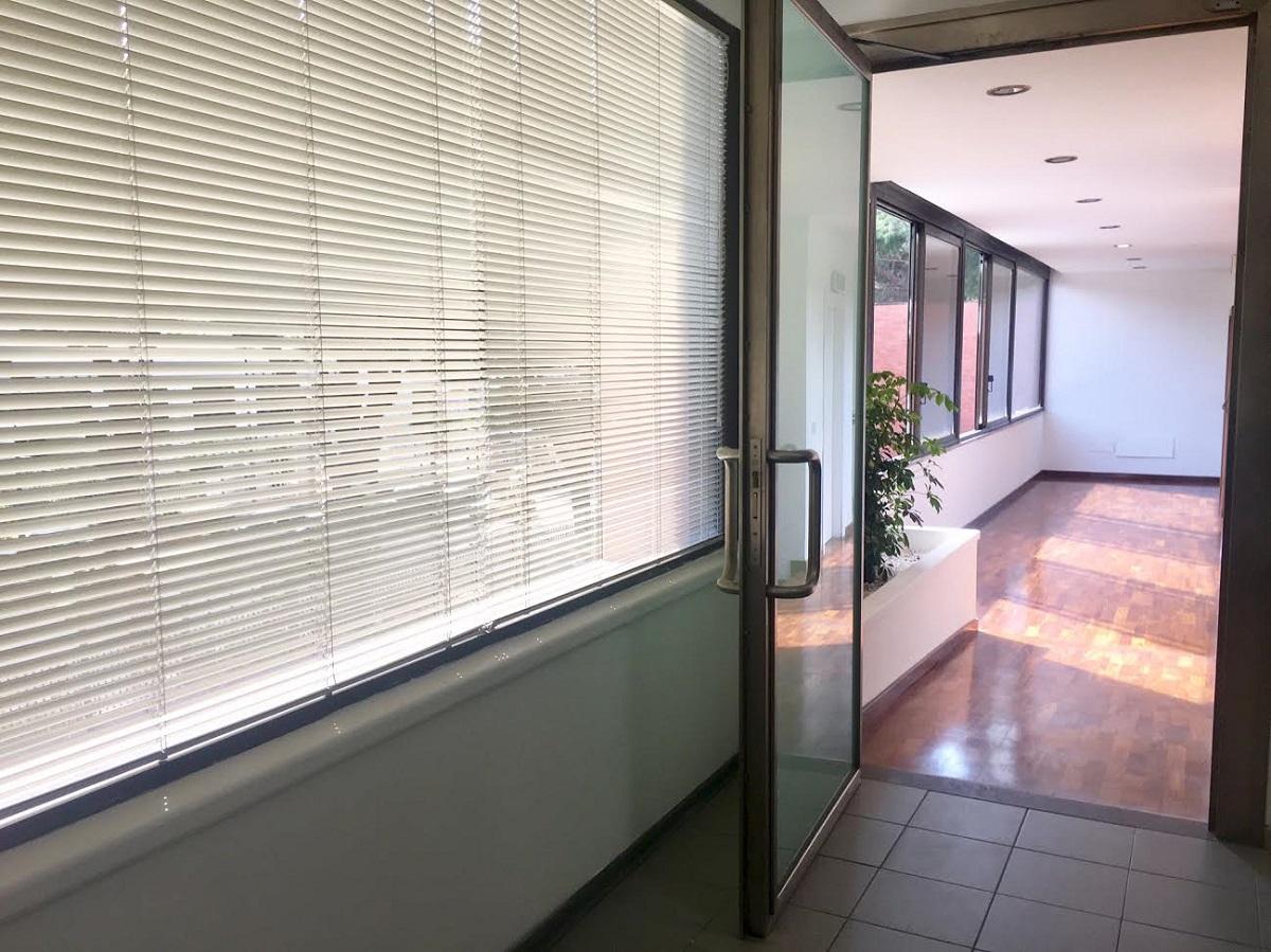 Ufficio in affitto in via ugo la malfa 48 palermo ugo la for Affitto ufficio