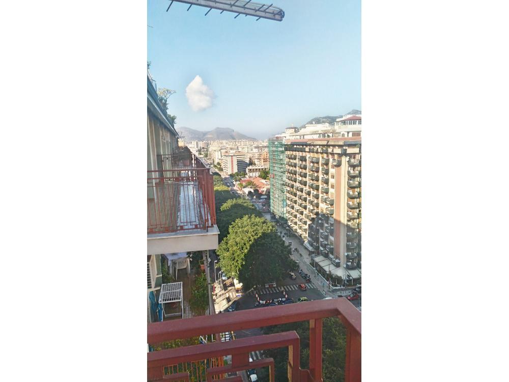 Appartamento in vendita in via pacinotti antonio 19 for Casa a 5 piani in vendita