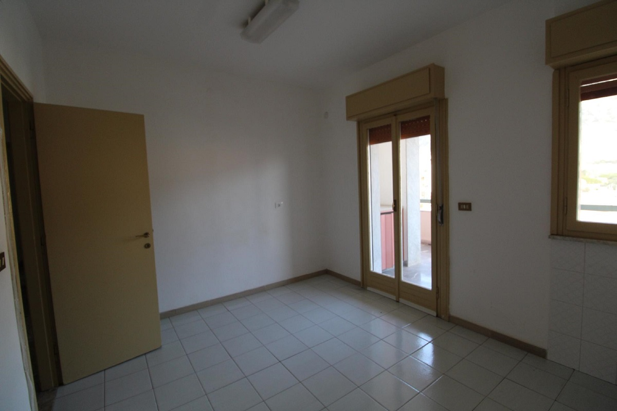 Appartamento in vendita in via trapani pescia palermo for Soggiorno a trapani