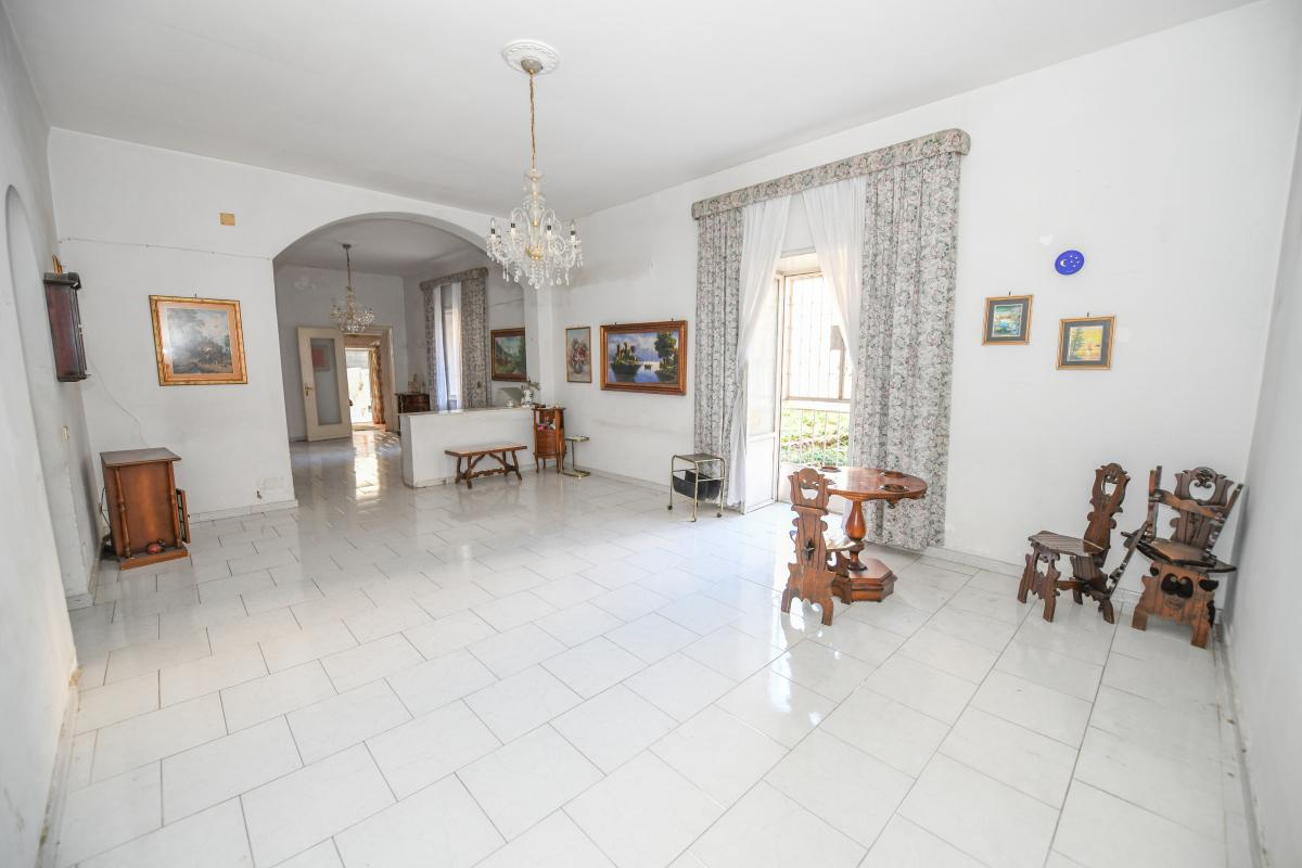 Appartamento in vendita in via pindemonte 4 palermo for Case arredate in affitto a palermo