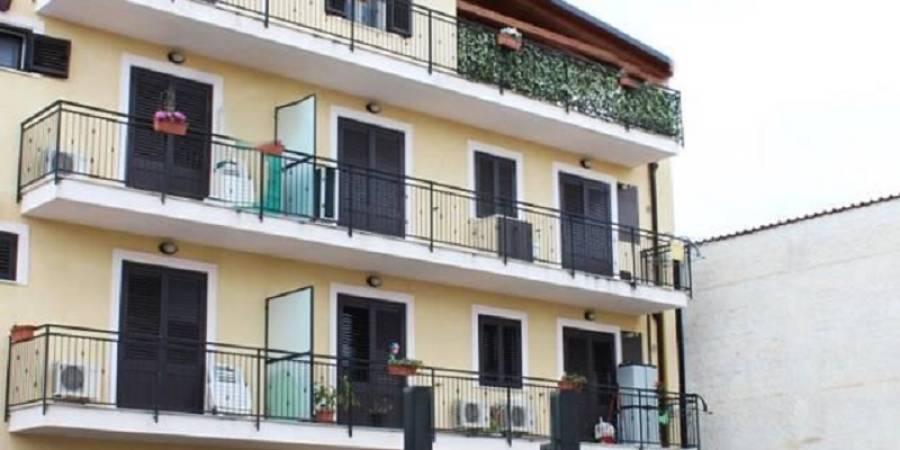 Appartamenti   Case   Ville   Attico in vendita e affitto a Palermo